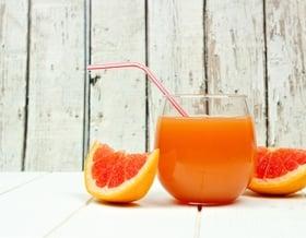 Hausgemachte Fruchtsäfte